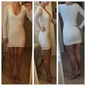 Lovely Day - Off White Lace - Long-sleeved dress
